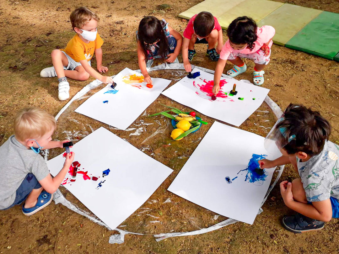 kids group activity - outdoor ice painting